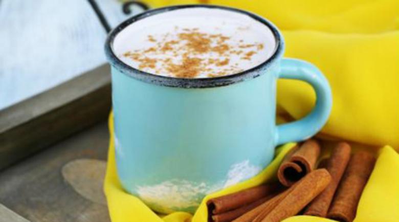 Ускорете топенето на мазнините с канела и кисело мляко