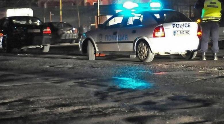 40-годишна шофьорка нацели циментова стена край Дупница