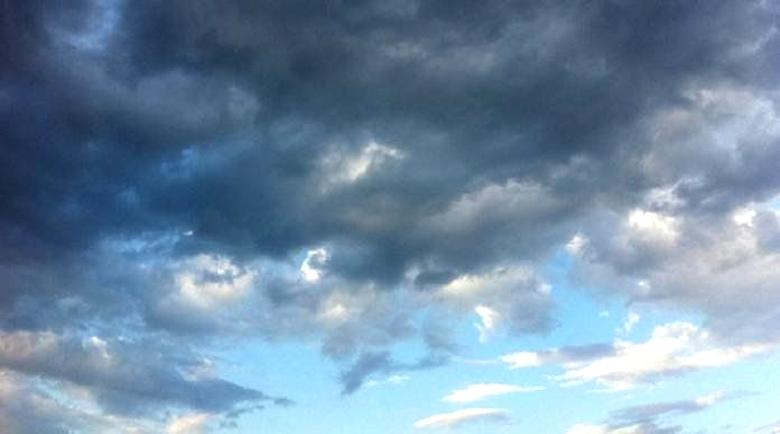 Ще се задържи облачно, с валежи от дъжд