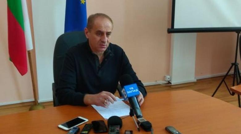 Стотици общински служители в Кюстендил отиват на борсата