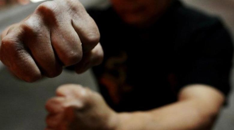 Пребиха 34-годишен мъж в Перник, имал да дава