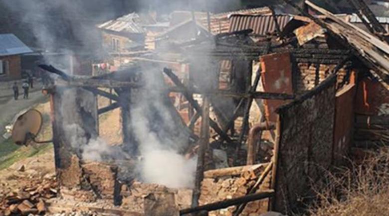 Пожар остави без дом семейства с деца от Белица