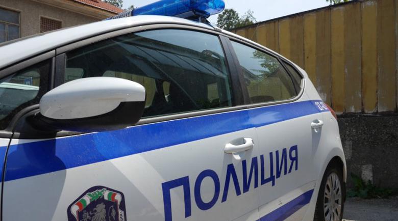 Крадци опразниха две къщи за гости в Долен