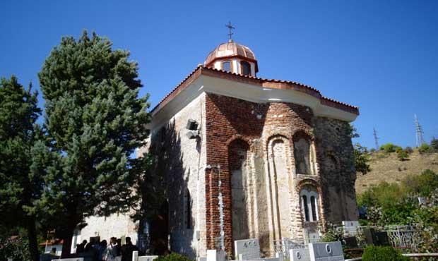 """В Рила продължава ремонтът на църквата """"Св. Архангел Михаил"""""""