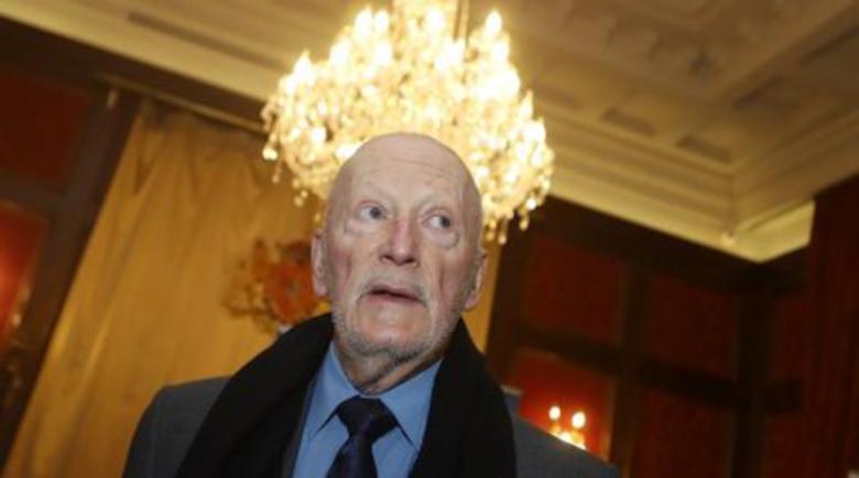 """Царят дари 50 000 лева за """"Пирогов"""" от чужбина"""