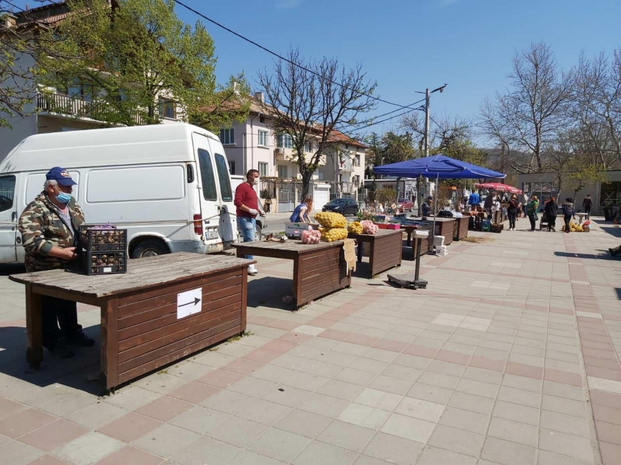 Симитличани спазиха всички изисквания за пазарния ден