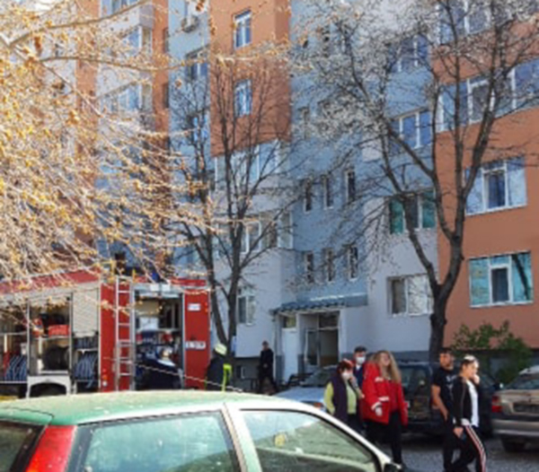 """Апартамент лумна в пламъци в квартал """"Струмско"""""""