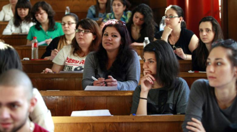 Студентите искат удължаване на летния семестър с 30 дни