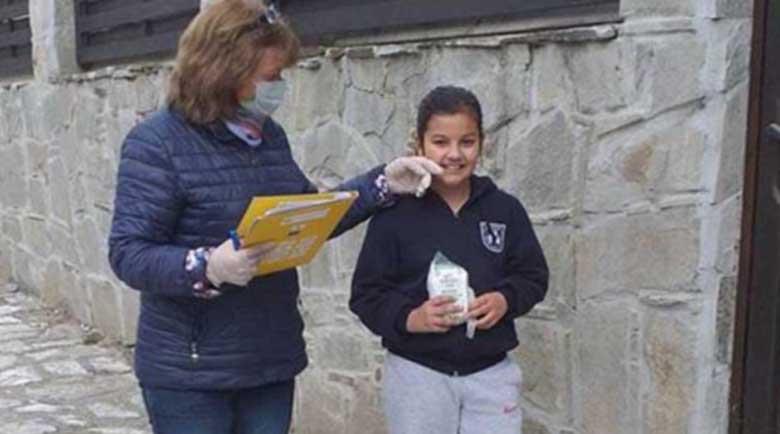 Раздават безплатни закуски на учениците в Разложко