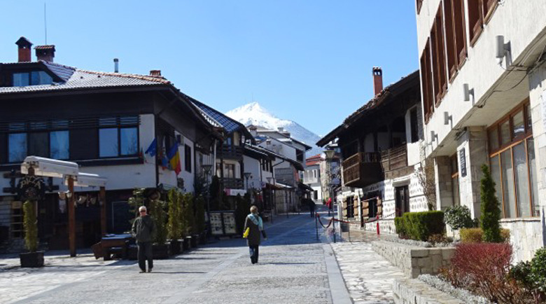 Хотелите в Банско отлагат отварянето заради рекорден спад в резервациите