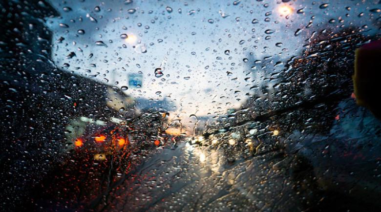 Облачно и дъжд с гръмотевици и днес