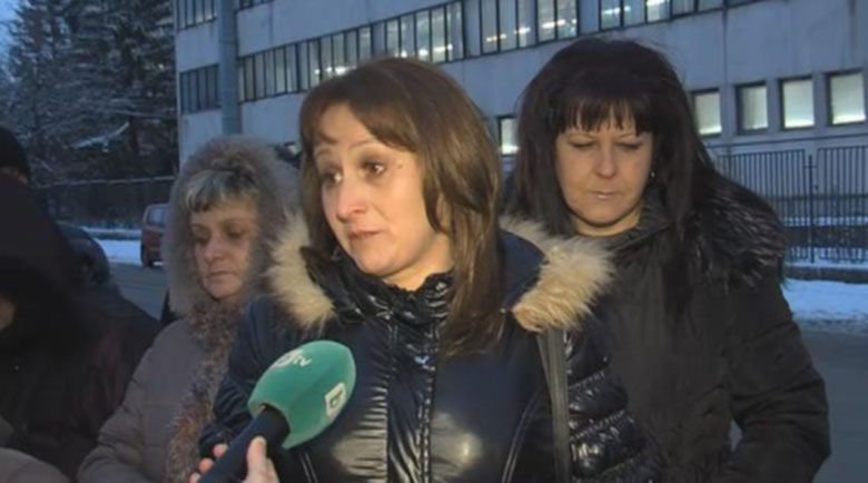 Над 80 шивачки от италианската фирма в Дупница, примириха се без заплати