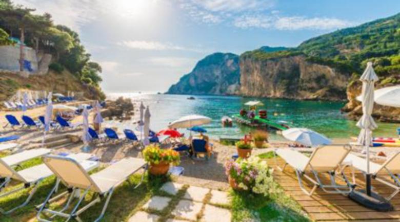 Гърция отваря плажовете с наложена организация в събота под строги правила