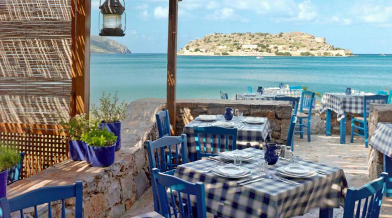 Гърция ще плаща за настаняването на туристите под карантина