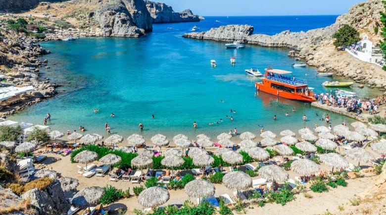 Гърция отваря организираните плажове, от 25 май – свободно движение до островите