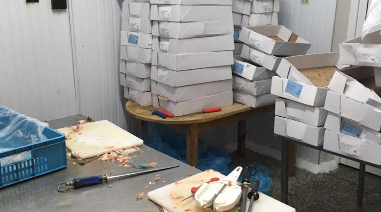 1 тон пилешко без документи откриха в пловдивско село