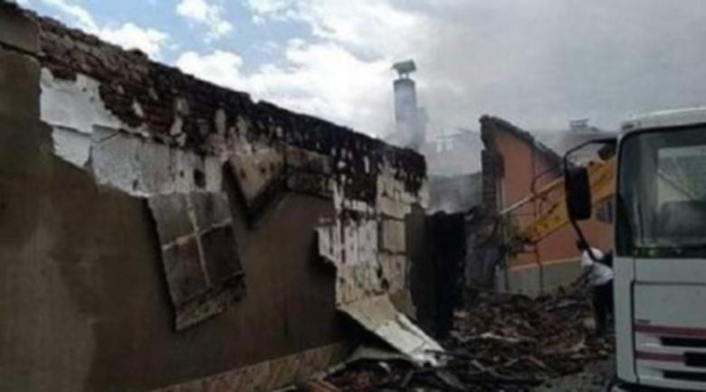 Къщата на известен китарист изгоря при огнен ад в Дупнишко