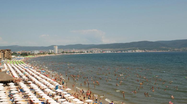Само 20 на сто от хотелите на Слънчев бряг готови да отворят