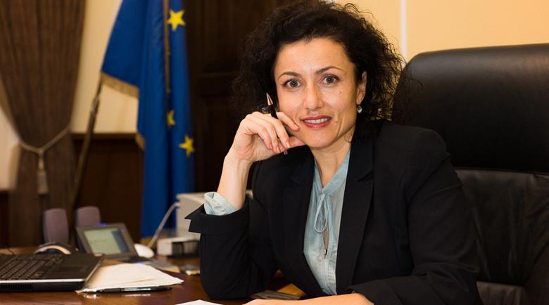 Министър Танева отказа да отмени сливането на горските стопанства в Първомай и Петрич