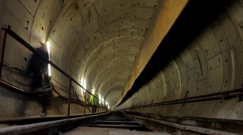 Товарни влакове вече се движат по тунела Мармарай под Босфора