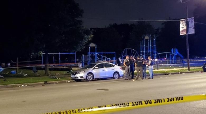 10 загинали и 39 ранени при масови престрелки в Чикаго