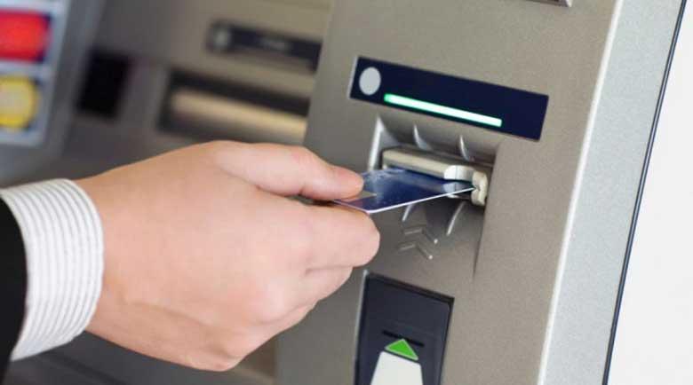 Банките наостриха секирите: 24 лева такса за теглене на пари от сметка