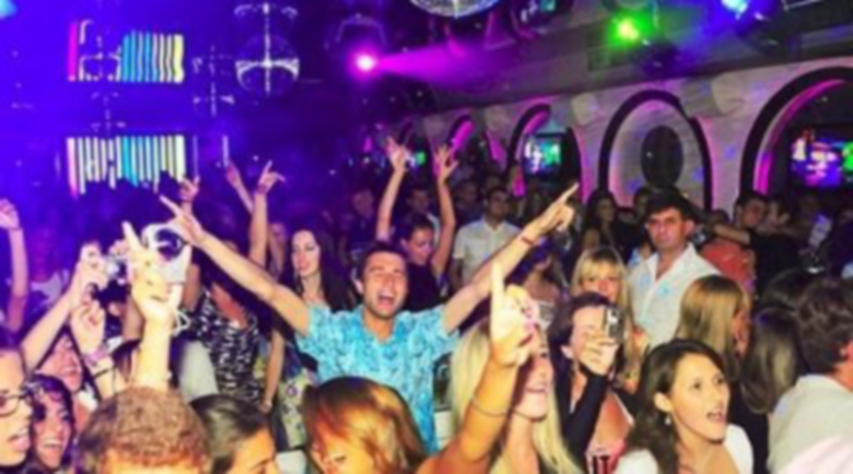 Отварят баровете и дискотеките от днес