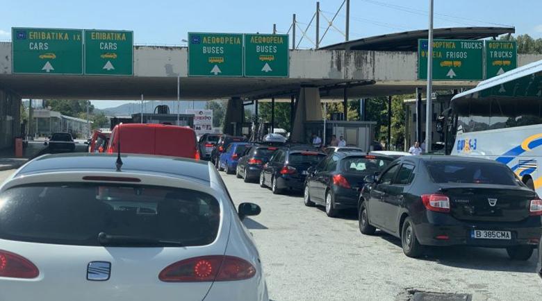 Ограниченията за влизане в Гърция отпадат от днес на обяд