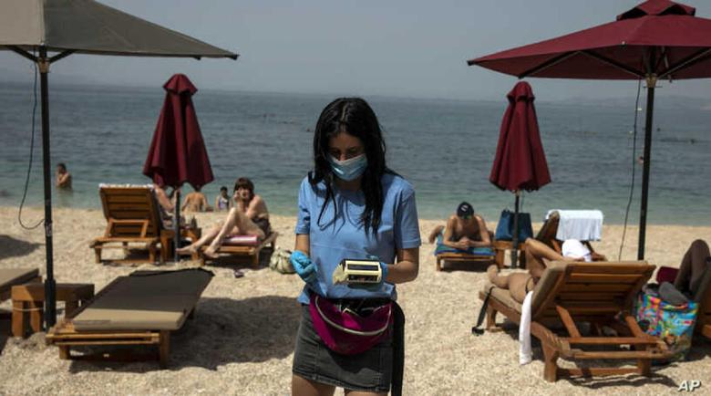 Гърция ще пуска туристите или с имунизация, или с PCR тест това лято