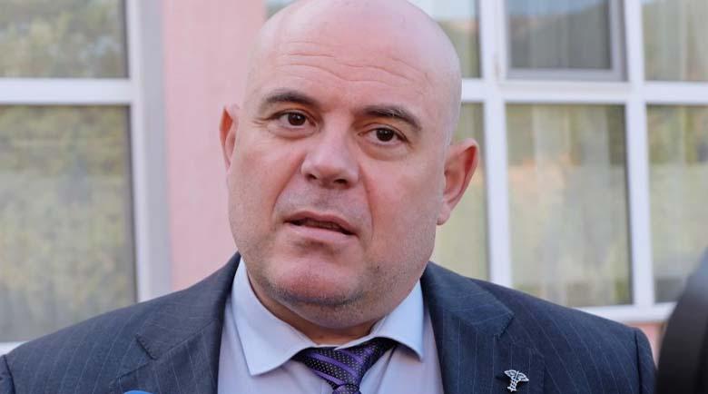 Гешев се срещна с близките на прегазената от дрогиран шофьор в Самоков