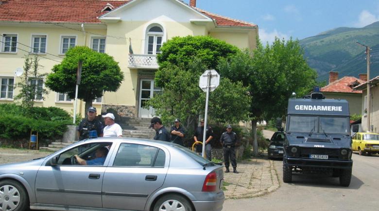 Две КПП-та пазят черешите в Кюстендилско