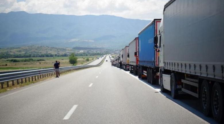 """7 километрова колона от камиони затапи границата на """"Кулата"""""""