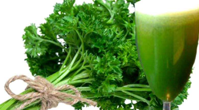 Сок от магданоз – полезен за кръвоносните съдове, поддържа някои жлези