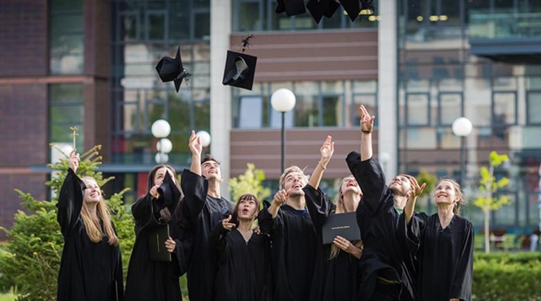Благоевградски ученици ще учат за лидери в Американския университет по програма ABLE Mentor