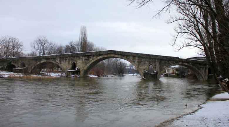 Реставрират мост на 5 века край Невестино