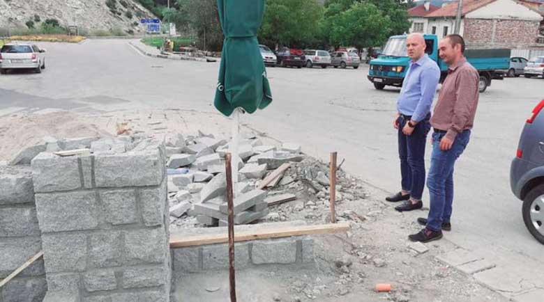 Три игрища за учениците, ремонти на кметство и улици променят облика на Добринище