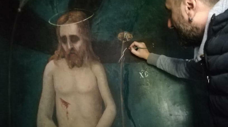 Кюстендилски художник реставрира скрит стенопис на век и половина