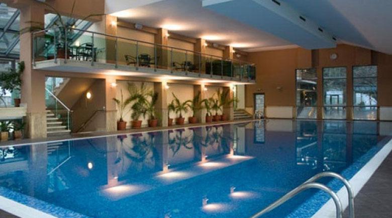 Родните СПА курорти вдигнаха цените за Нова година, зимните ги намалиха