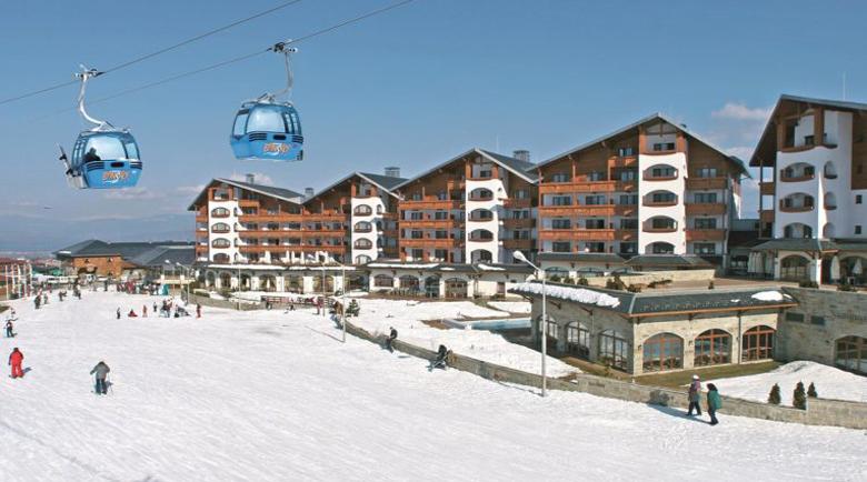 Откриват ски сезона в Банско, до 8 души в кабинковия лифт