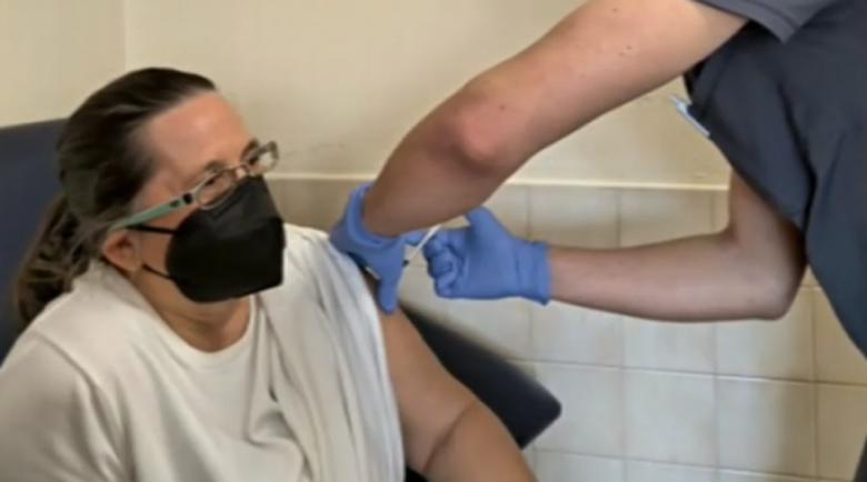 Румъния ще слага трета доза ваксина срещу COVID-19