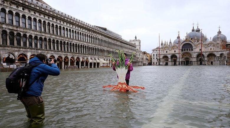 """Площад """"Сан Марко"""" във Венеция е под вода"""