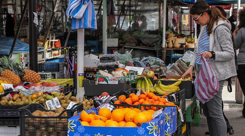 Левче в хипермаркета за портокали, три лева на сергията