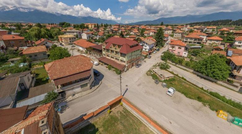 Софийска фирма вдига два апартаментни комплекса край пътя Баня – Банско