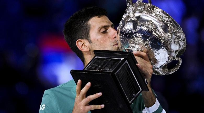 Джокович не даде шанс на Медведев и взе рекордна титла в Мелбърн