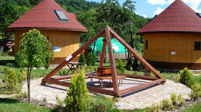 На 100 дка в Елешница правят екоселище със 140 къщички и водни атракции