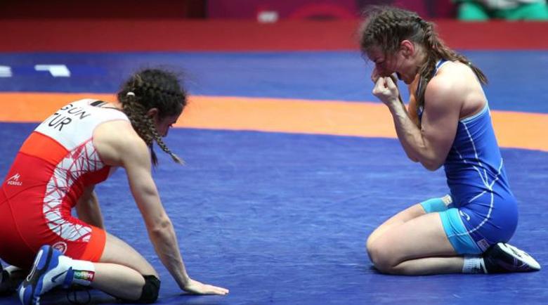 Петрич се гордее с олимпийската квота по борба на Евелина Николова