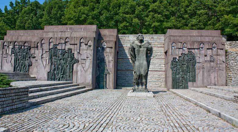 Дадоха картбланш за изграждане на параклис на Самуилова крепост и паметник на Апостола