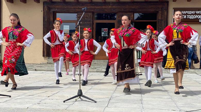Великденският дух се разнесе в центъра на Белица