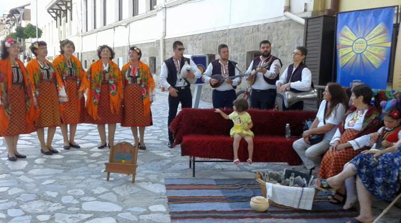 Духът на Банско оживява за наши и чужди туристи