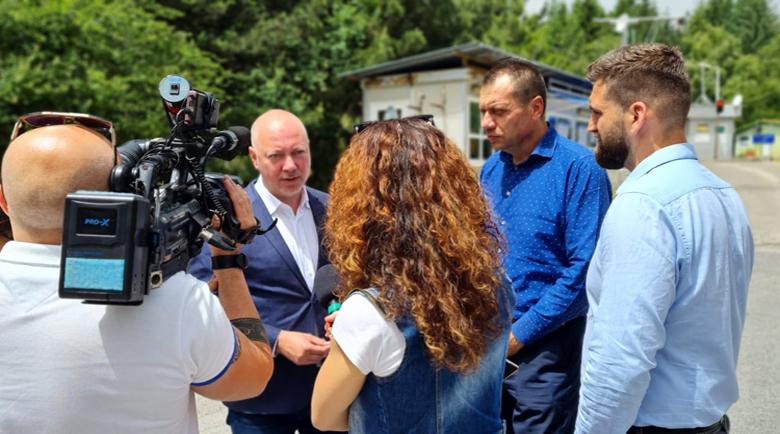 """Желязков: Въпреки осигурените над 15 млн. лв. за ремонт на ГКПП """"Станке Лисичково"""", не се работи"""
